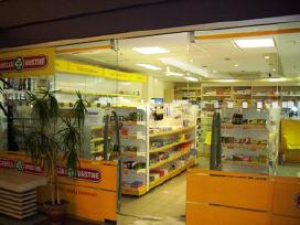 Prekybiniai baldai,lentynos,stelažai pagal poreikį