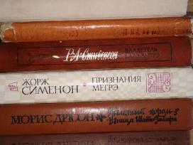 Parduodu daug knygu rusu kalba