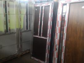 Plastikinės durys plastikiniai langai pigiau.