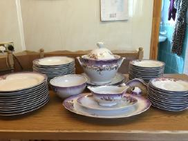 Naujas stalo porcelianinis servizas.