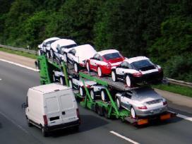 Automobiliu pervezimai automobilio nuvezimas