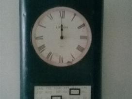 Sieninis kvarcinis laikrodis-kalendorius
