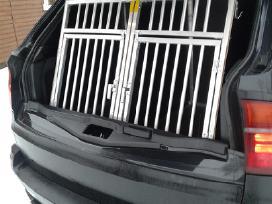 Narvai šunims automobilyje