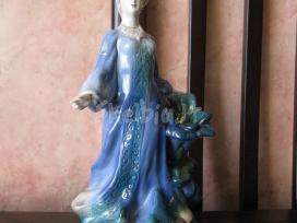 Porceliano statulele ... zr. foto...gal kolekcijai