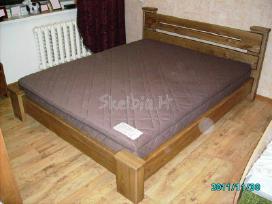 Dvigulės lovos iš uosio, čiužiniai.