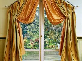 Drabuziai langams ir jusu interjerui