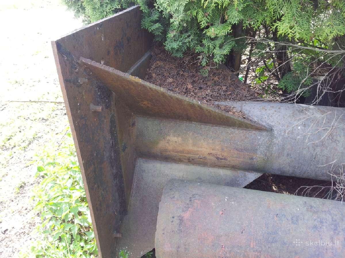 Parduodamas plieninis kaminas