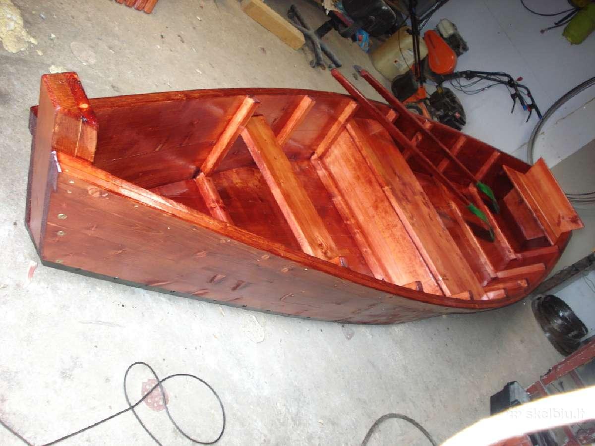 Medinės valtys