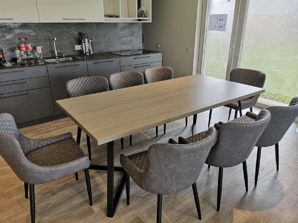 Industrinio dizaino ąžuolo masyvo stalas