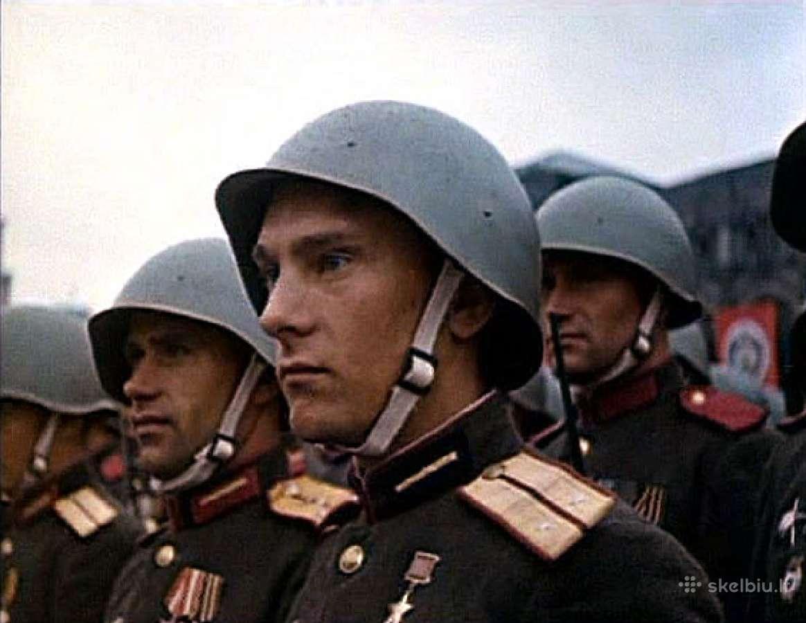 Perku sovietine karine atributika iki 1991m