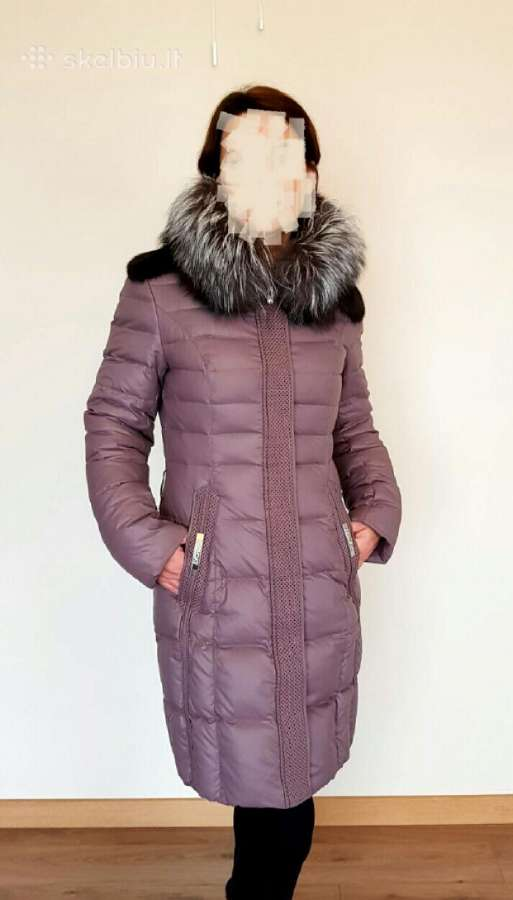 Pūkinis paltas su natūralaus kailio apykakle