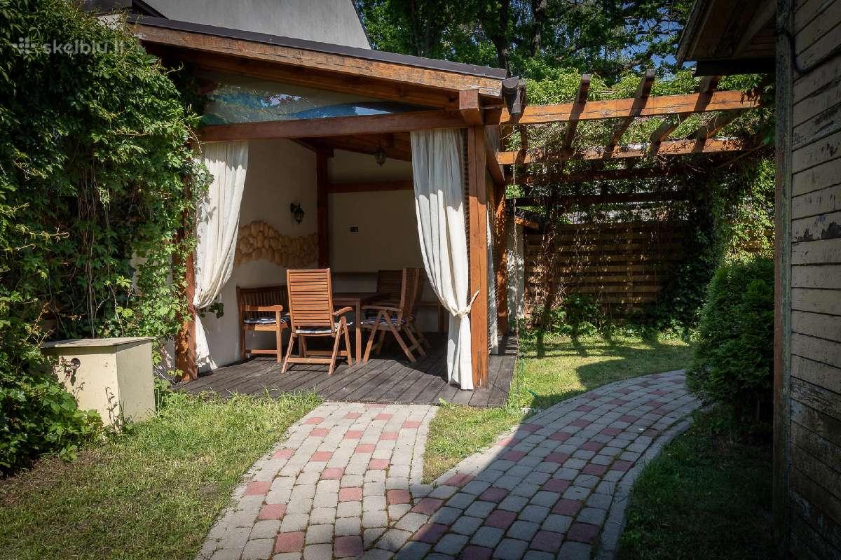 Parduodamas 210 kv metrų namas Jurmalos centre - Skelbiu.lt