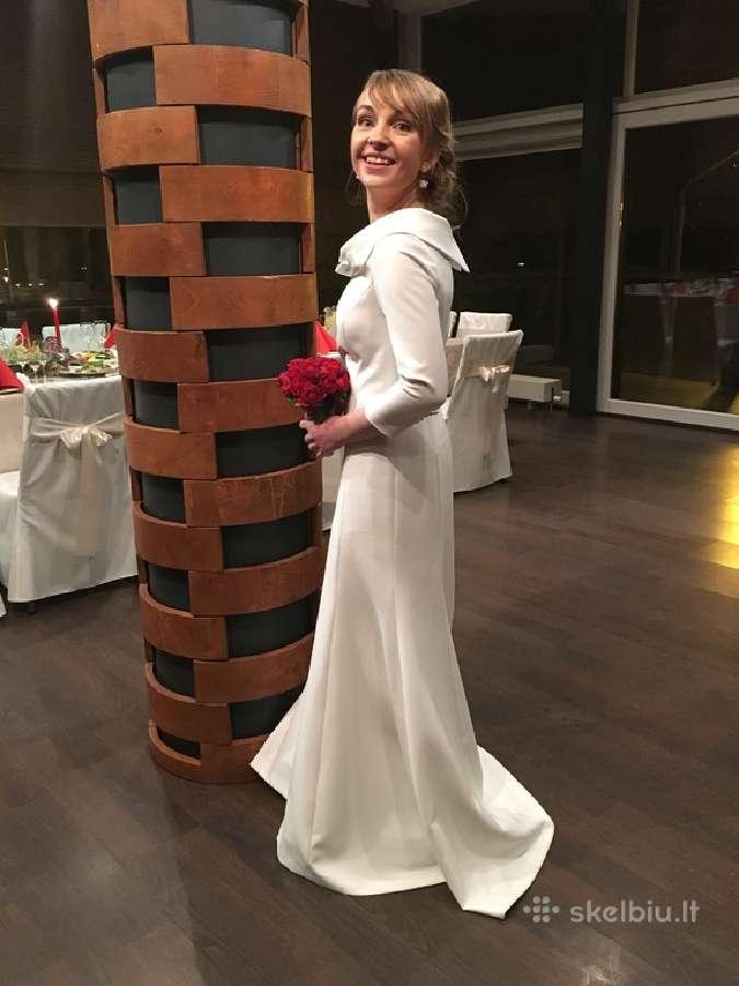 Balta vestuvinė suknelė