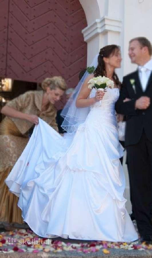 Nuostabi elegantiška vestuvinė suknelė