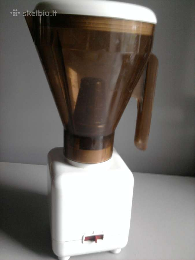 Virtuvinis kombainas: plakiklis + kavamalė