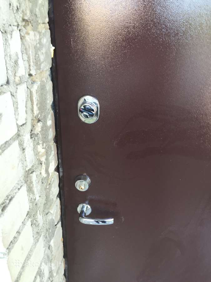 Rusio sandeliuku durys,metalinės durys,garažo vart