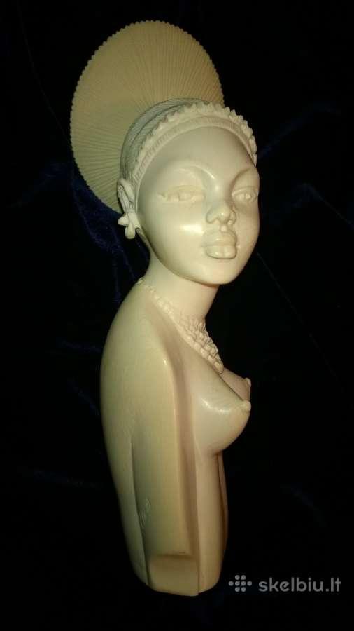 Biustas - statulėlė