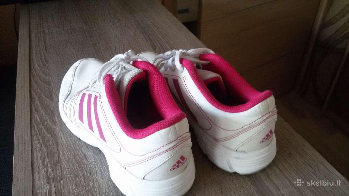Adidas 34d.