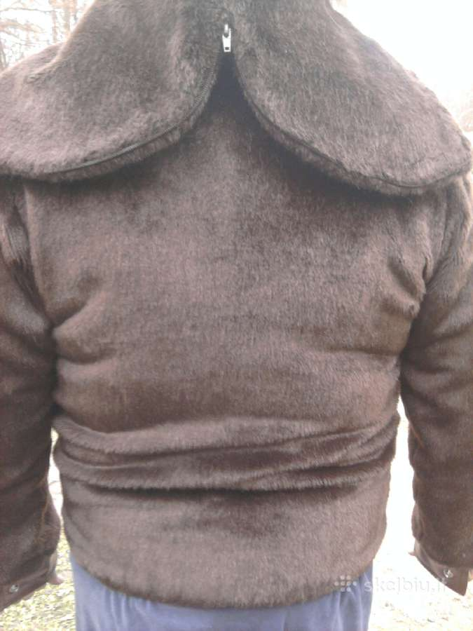 Vyriška dirbtinio kailio su kapišonu striukė