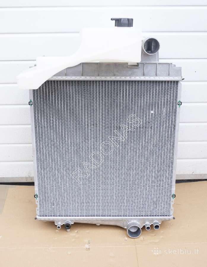 Naujas John deere ausinimo radiatorius