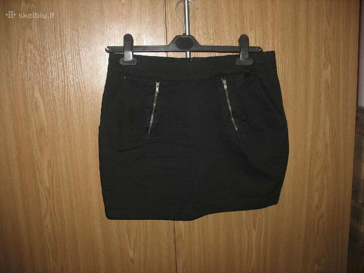 Juodas trumpas sijonukas 44 dydis