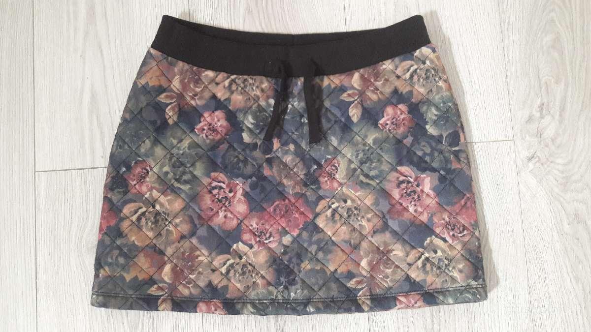 Gėlėtas sijonas rudeniui