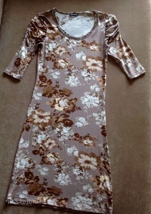 Gėlėta lengva suknelė
