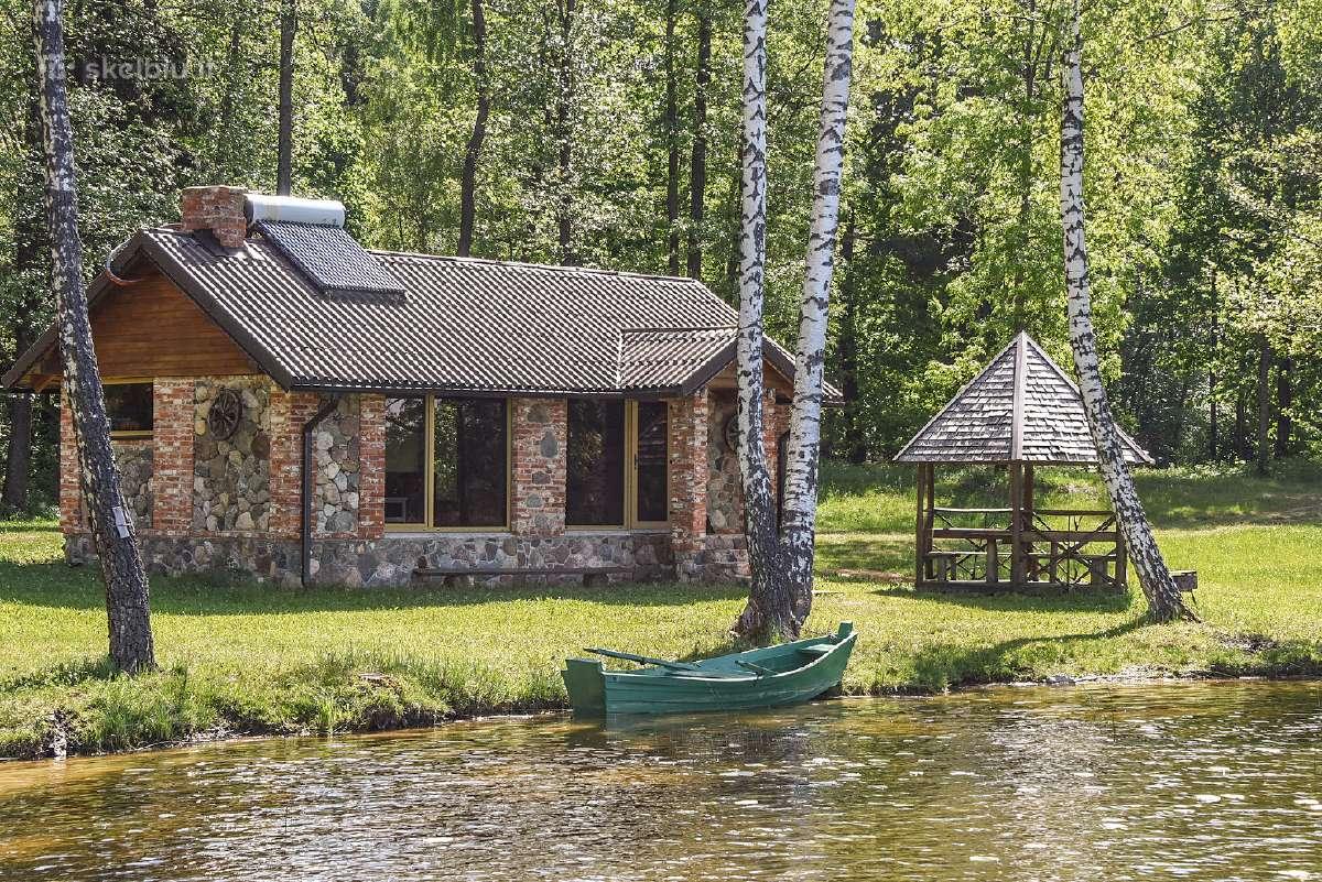 Poilsis prie ežero, namelis nuo 80€