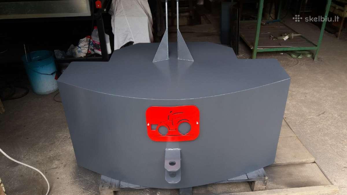 1100 kg