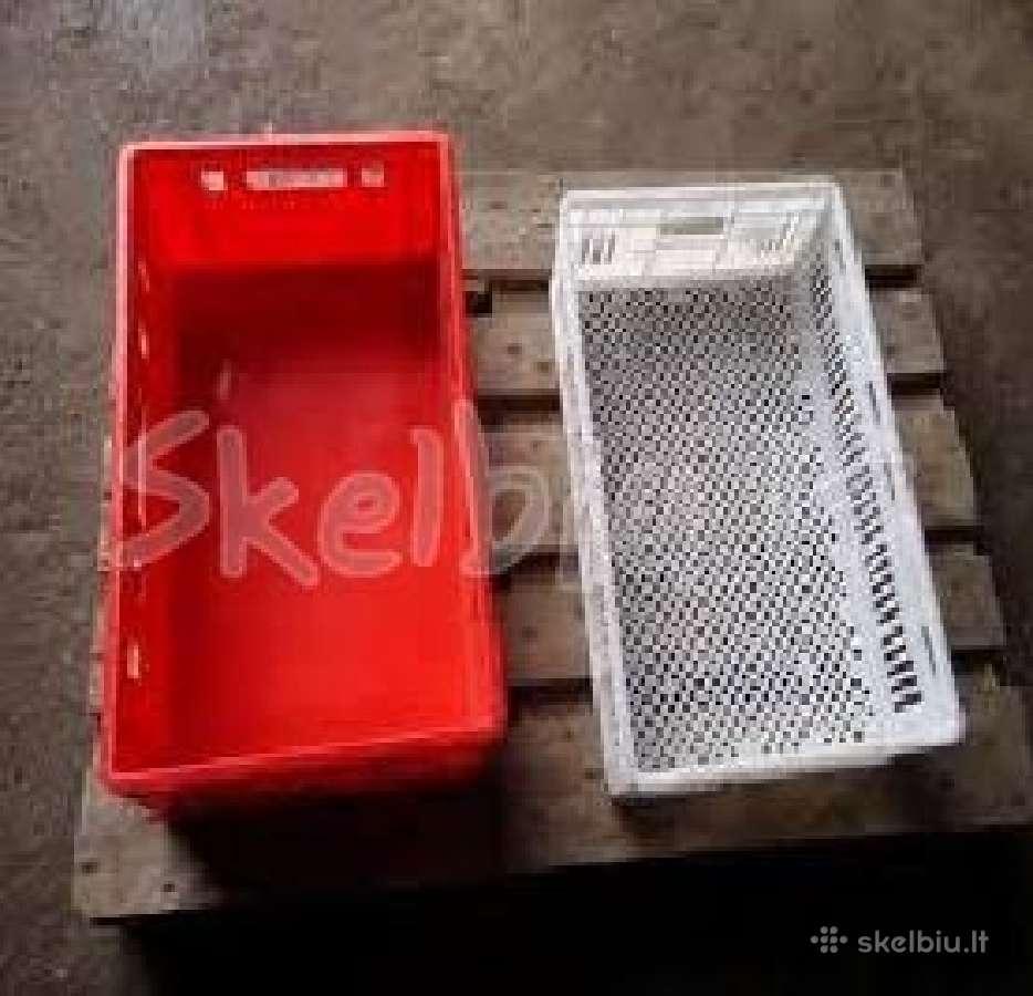 Parduodamos plastikines dezes ( tara )