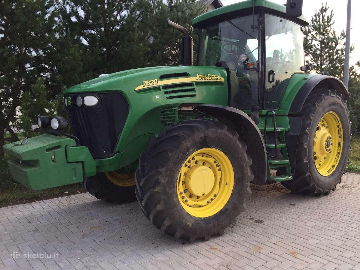 John Deere 7820 traktorius
