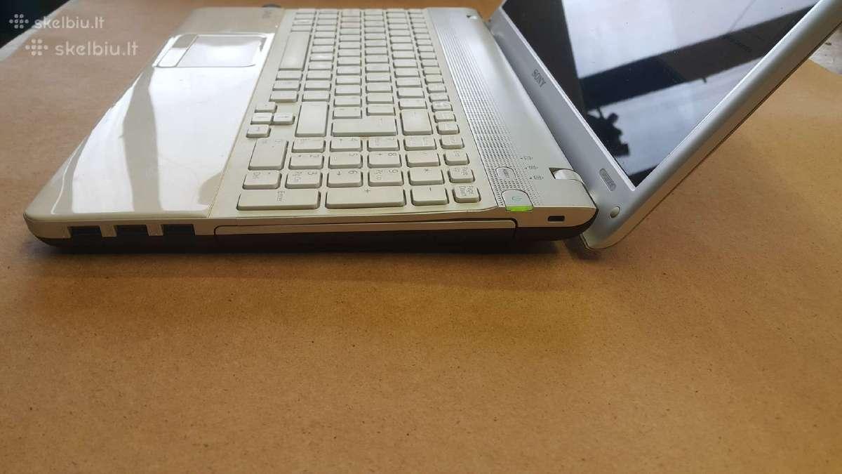 Sony VAIO PCG - 61611M