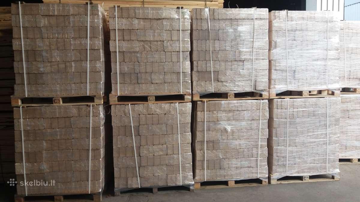 Kokybiški medienos briketai .