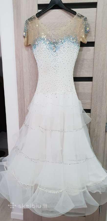 Parduodama,balta,gausiai puošta st suknelė.