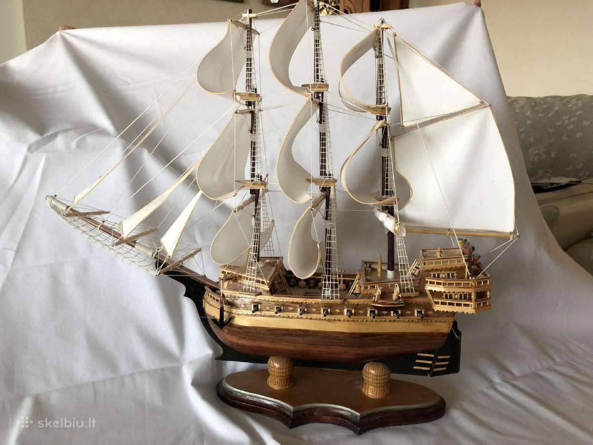 Rankų darbo vienetinis laivo modelis