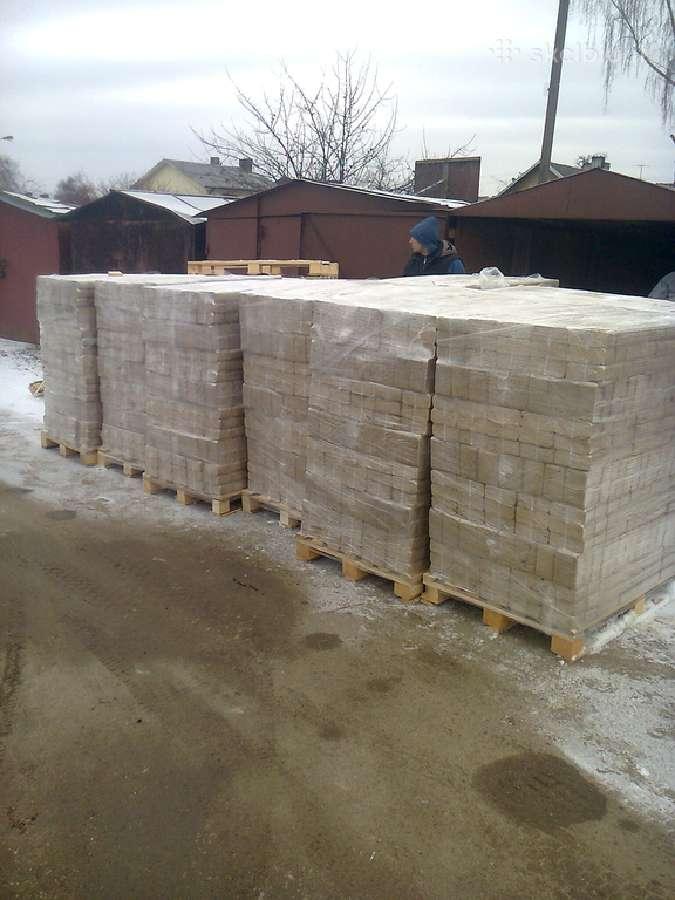 Kietmedzio briketai Azuolas-130 eurai