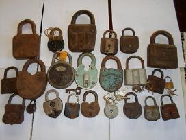 Parduodu senovinias spynas ir raktus