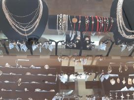Apyrankės, auskarai, žiedai, grandinėlės, monetos
