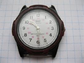 Rankinis laikrodis .zr. foto.