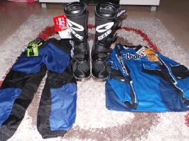 Motocross apranga, batai, šalmas. Nauja