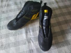 Parduodami Regbio batai