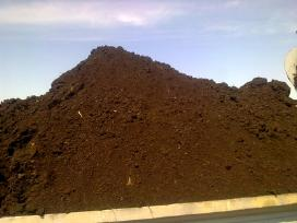 Juodzemis zeme gruntas kompostas