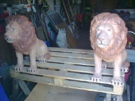Statūlos skulptūros, sodo puošmenos, šuo, liūtas