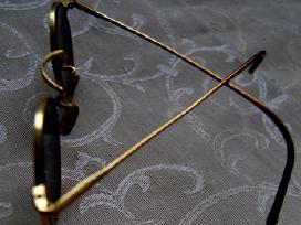 Klipsai perliniai, skrybelaitė, akinukai