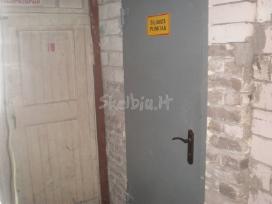 Gaminame metalines duris rūsio sandėliukams