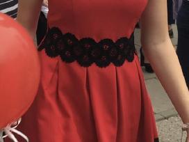 Puiki suknelė vilkėta per išleistuves