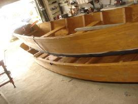 Medinė valtis