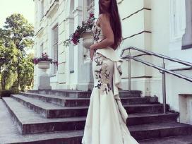 Ilga vienetinė suknelė