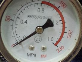 Oro kompresorius 3 cilindrai/180l resiveris Akcija