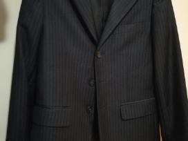 Klasikinis trijų dalių kostiumas
